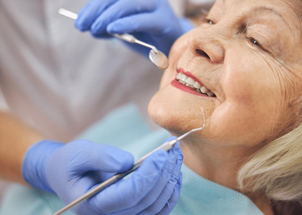 mini implantes dentales perdida osea